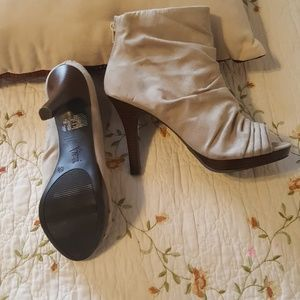 Ruched Ivory/light tan stiletto boots